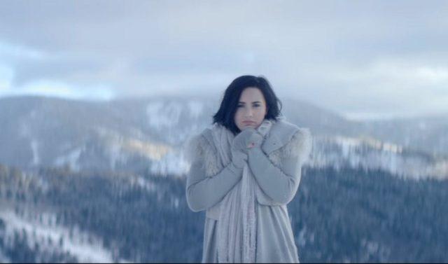 """Como tocar """"Stone Cold"""", de Demi Lovato, no piano"""