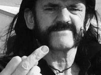 Crítica da biografia de Lemmy Kilmister, líder do Motörhead. por Mick Wall