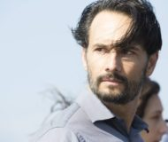 """Rodrigo Santoro em cena do filme """"O Tradutor""""; crítica por Ricardo Feltrin, site Ooops"""